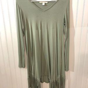 SOFT gorgeous green fringe long sleeve